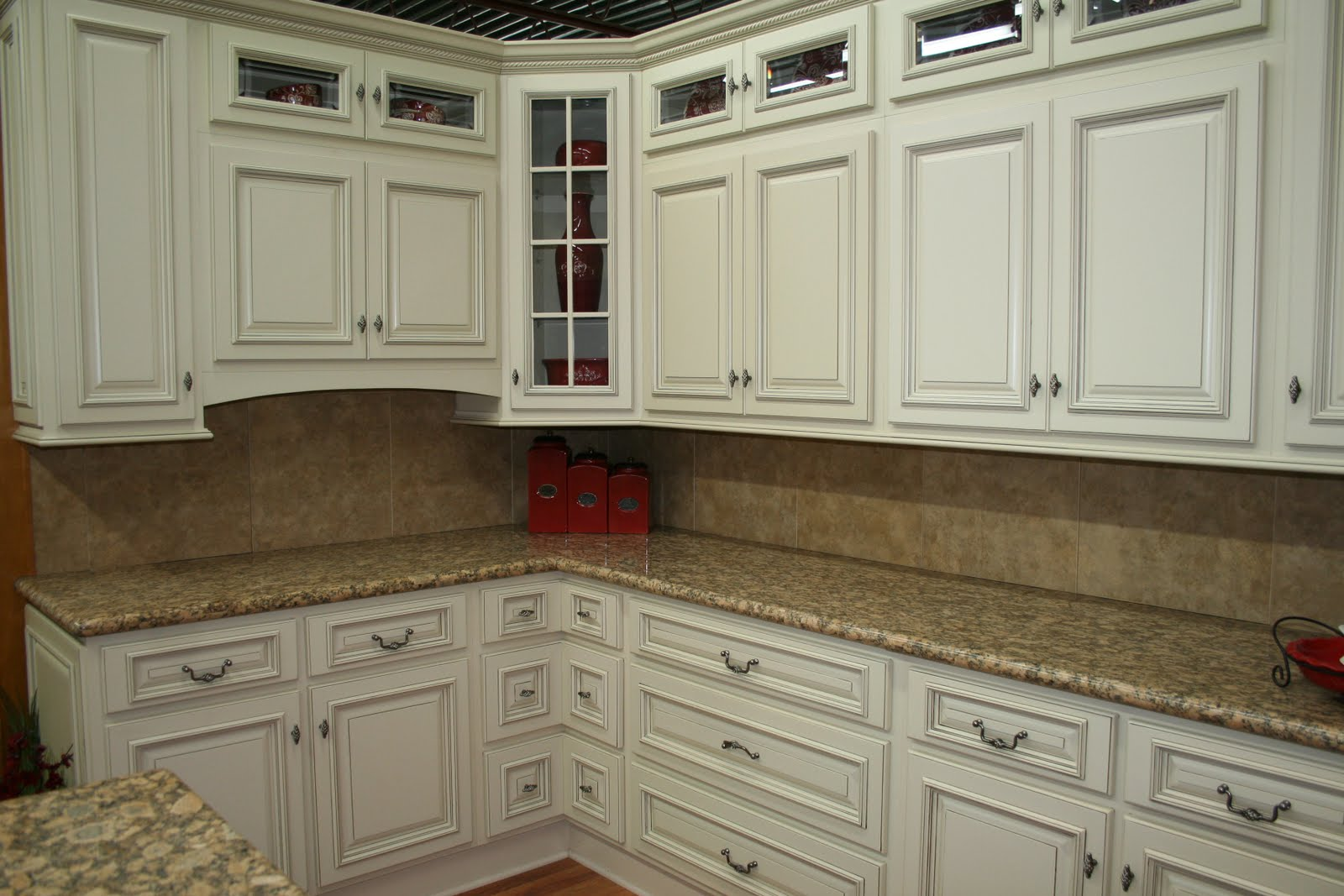 Great Antique White Kitchen Cabinets 2016