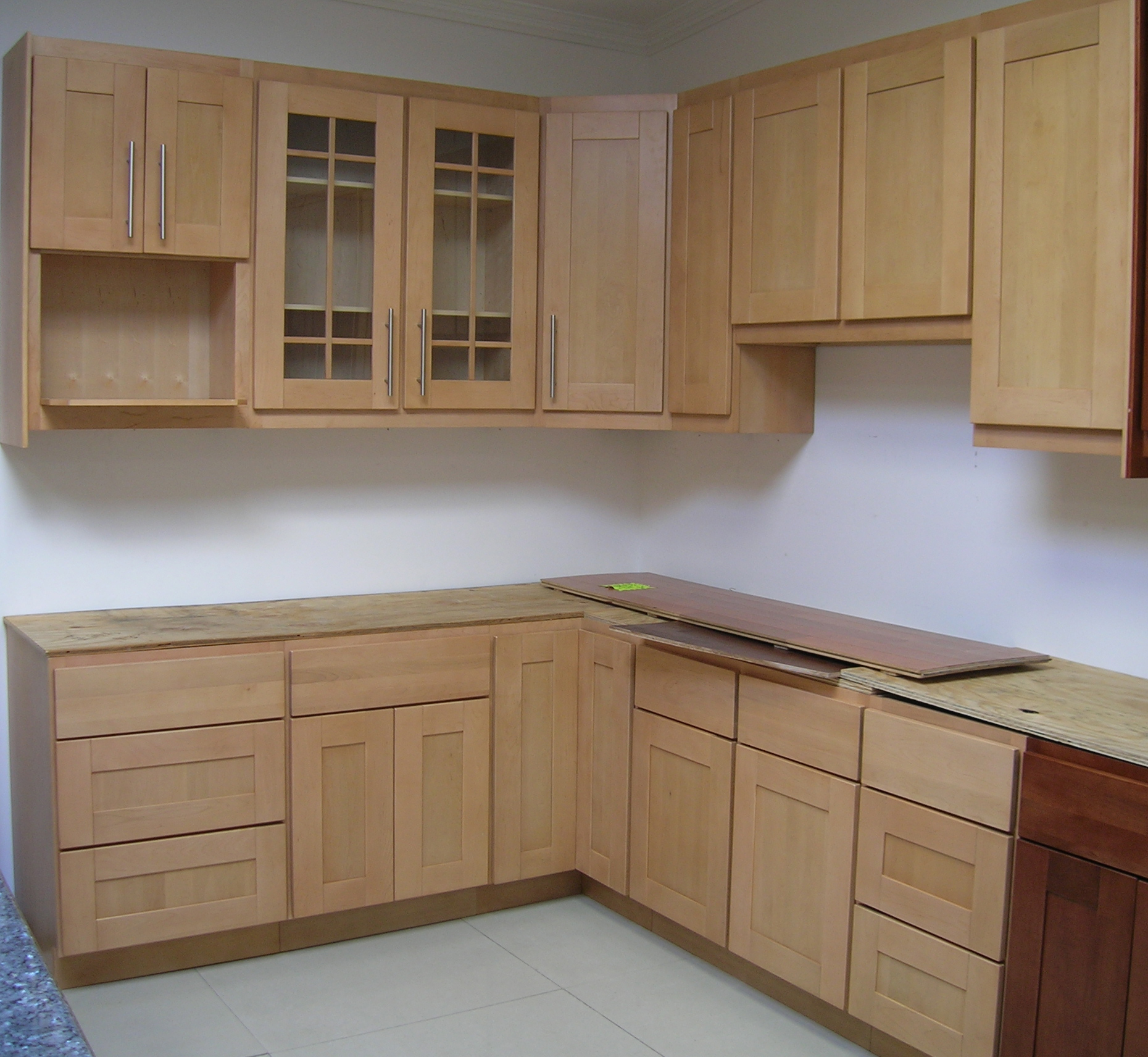 Simple building kitchen cabinets 2016 for Build simple kitchen cabinets