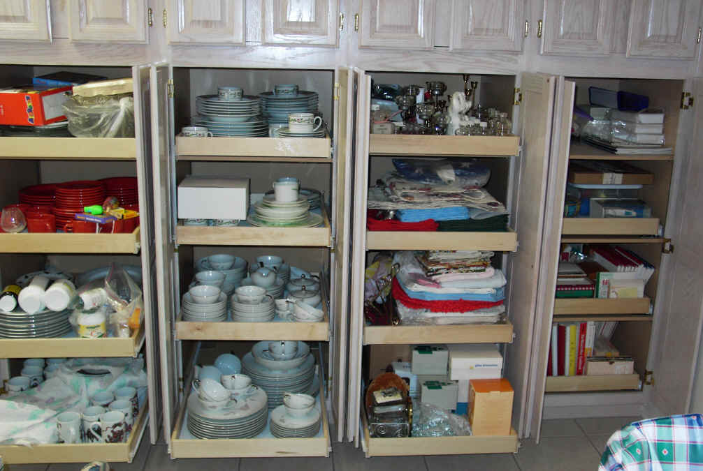 Simple organizing kitchen cabinets 2016 for Organizing kitchen cabinets ideas