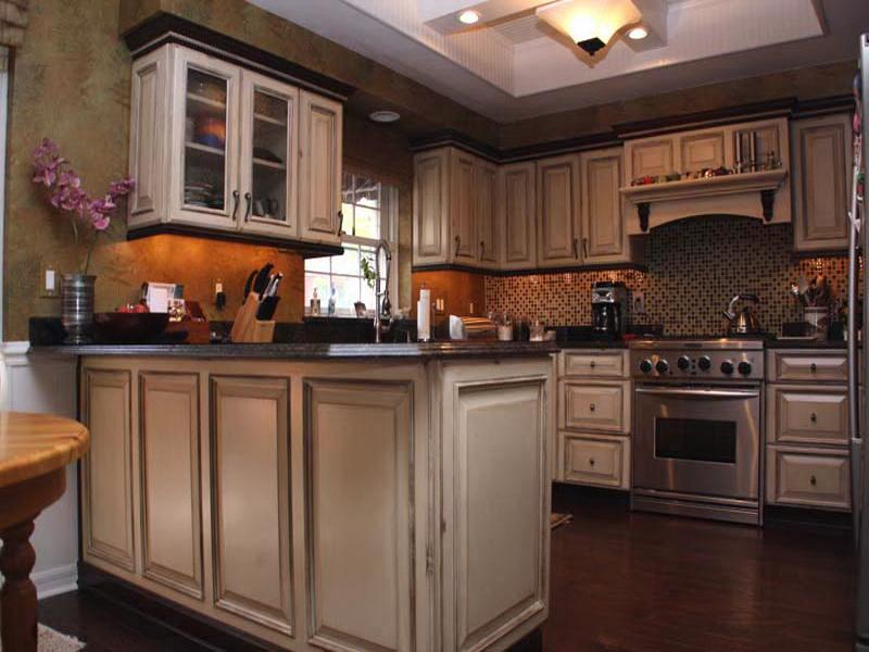 Unique painting kitchen cabinets ideas 2016 for Paint in kitchen ideas