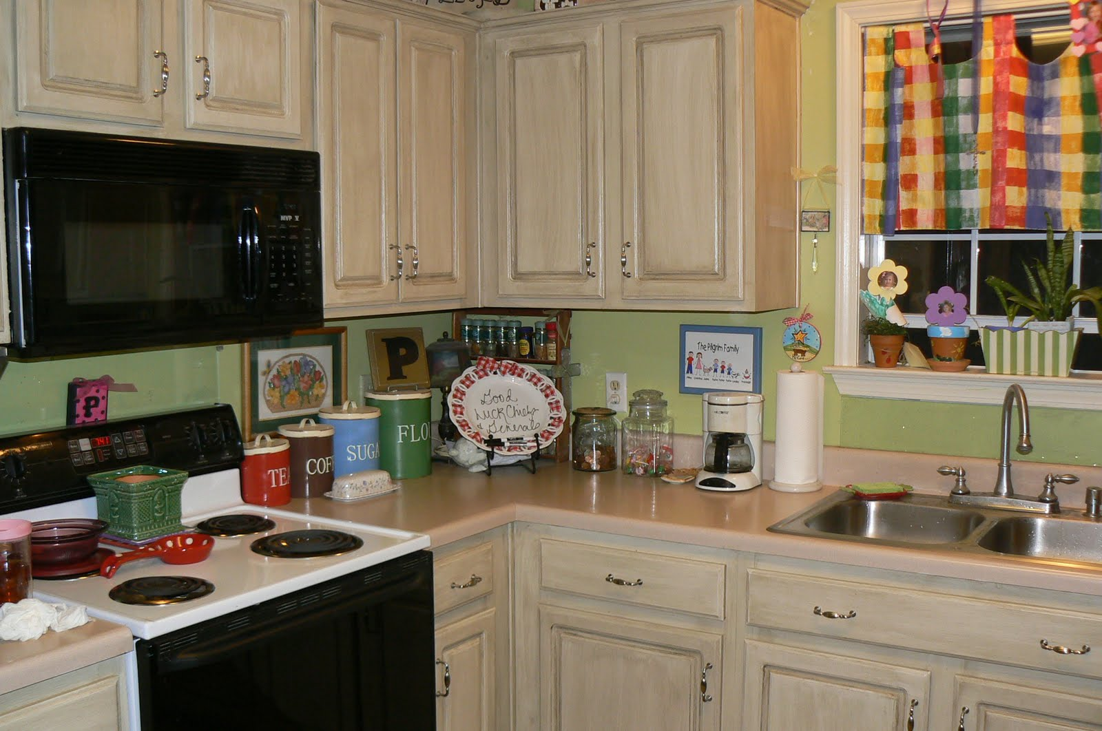 Stunning Painting Kitchen Cabinets